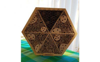 Bijenhotel kado van Groene Cirkel Bijenlandschap